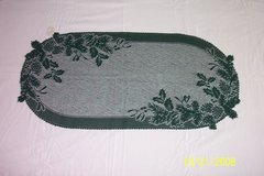 "BN 31"" lace green holly & pine runners & doilies in Goldsboro, North Carolina"