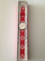 New VERA BRADLEY Nantucket Red WATCH Silver Signature Face New In Box NIB (T=7) in Fort Campbell, Kentucky